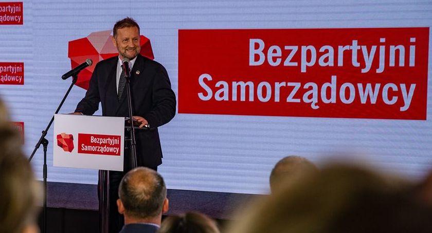 """Polityka, Robert Raczyński """"jedynka"""" Warszawie Polska """"kanarów"""" dodatkowa energia kraju - zdjęcie, fotografia"""