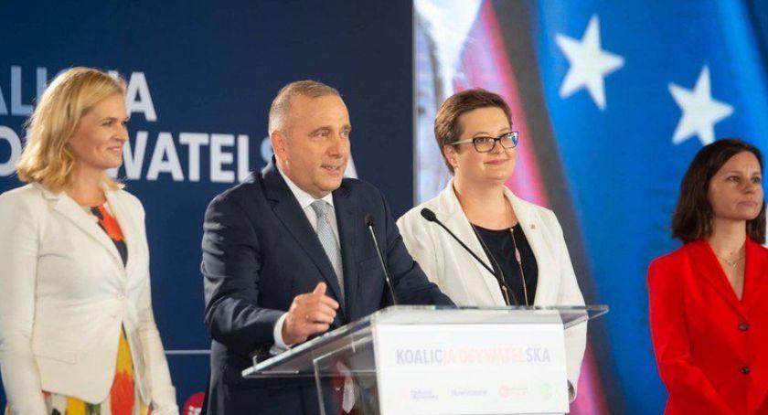 Polityka, pokazała wyborczy Chcą POrozmawiać - zdjęcie, fotografia