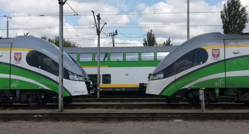 Transport publiczny - komunikacja, Zmiany torach pierwszego września - zdjęcie, fotografia