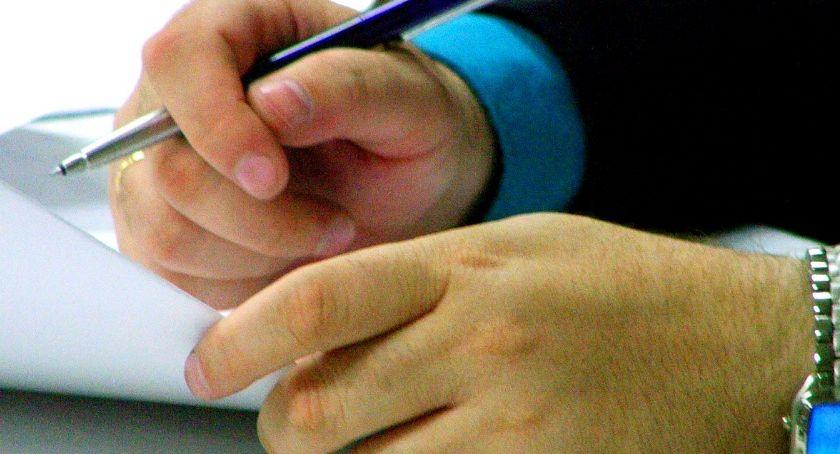NEWS, Wnioski zbierania podpisów przez Bezpartyjnych Samorządowców - zdjęcie, fotografia