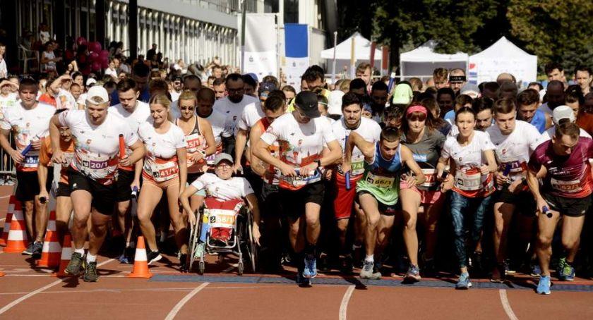 Biegi - maratony, Charytatywny Warszawa [ZDJĘCIA] - zdjęcie, fotografia