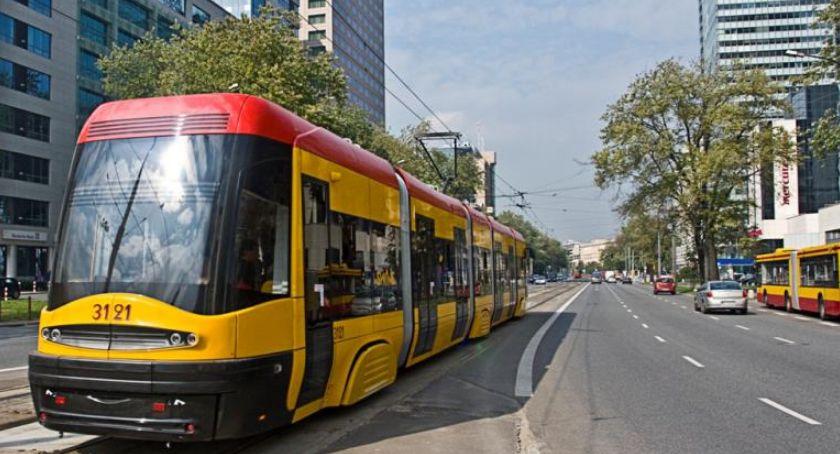 NEWS, Jerozolimskich wstrzymany zmarł pasażer tramwaju - zdjęcie, fotografia