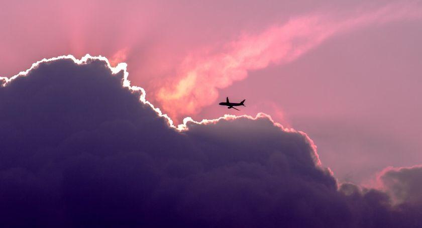 NEWS, Rządowy samolot Gulfstream lądował awaryjnie Okęciu - zdjęcie, fotografia