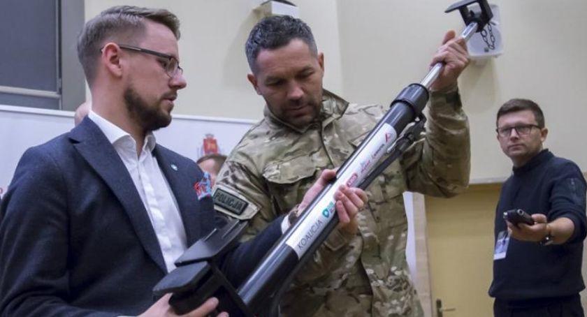 Bezpieczeństwo, Warszawscy antyterroryści dostali sprzęt - zdjęcie, fotografia
