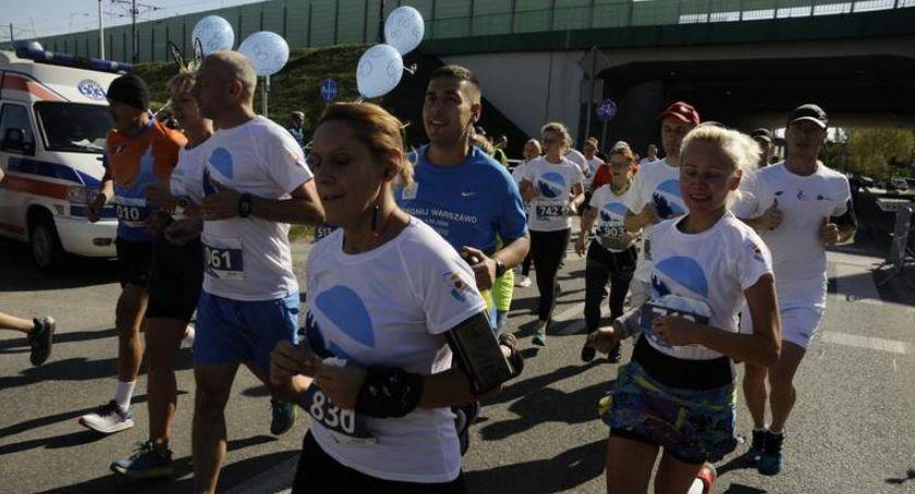 Biegi - maratony, Przez Warszawie [ZDJĘCIA] - zdjęcie, fotografia