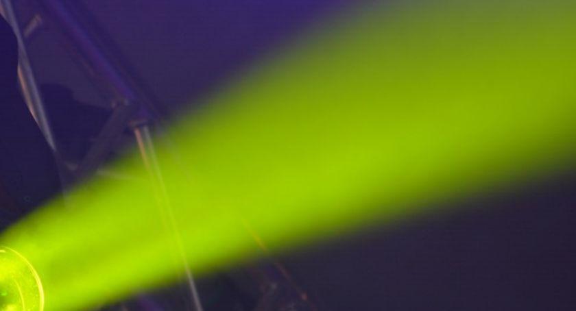 Bezpieczeństwo, Oślepił laserem załogę Sprawca poszukiwany - zdjęcie, fotografia