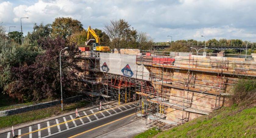 Remonty, Przebudowa stuletniej konstrukcji (zjazd mostu Poniatowskiego) - zdjęcie, fotografia