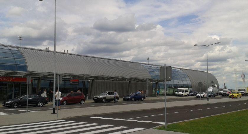 NEWS, Lotnisko Modlinie kierunek Ukrainę - zdjęcie, fotografia