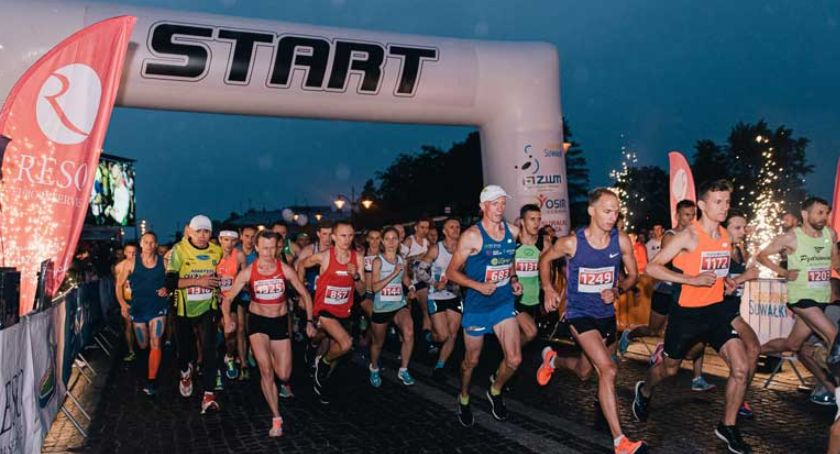 Biegi - maratony, Night sobotę - zdjęcie, fotografia