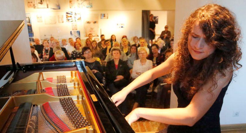 Koncerty - muzyka - płyty , Chopin otwarty koncert okazji Niepodległości - zdjęcie, fotografia