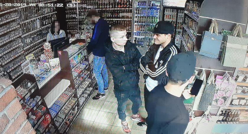 Kradzieże i Rozboje, Trzech mężczyzn poszukiwanych sprawie rozboju - zdjęcie, fotografia