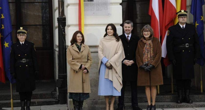 NEWS, książęca odsłoniła pamiątkową tablicę [ZDJĘCIA] - zdjęcie, fotografia