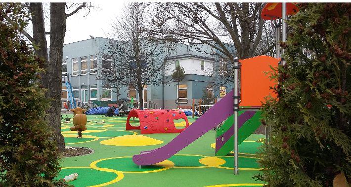 Inwestycje, Terapeutyczny zabaw dzieci prawie gotowy - zdjęcie, fotografia