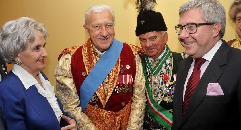Religia - kościoły - święta, Uroczystości lecia powrotu ostatniego Prezydenta Ojczyzny - zdjęcie, fotografia