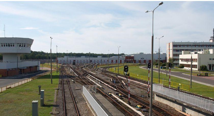 Metro, Rozbudowa stacji metra techniczno postojowej razem smrodu - zdjęcie, fotografia