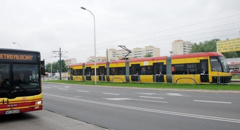 Autobusy, Zimowe ferie komunikacji - zdjęcie, fotografia