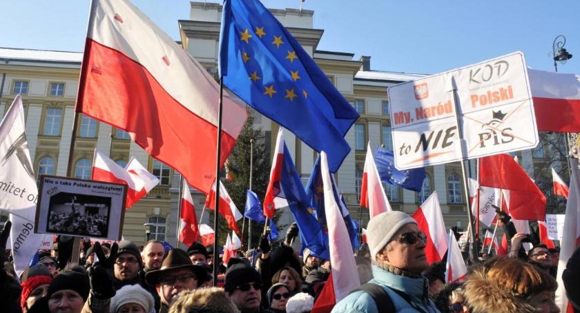 Polityka, Demonstracja obronie Twojej wolności! - zdjęcie, fotografia