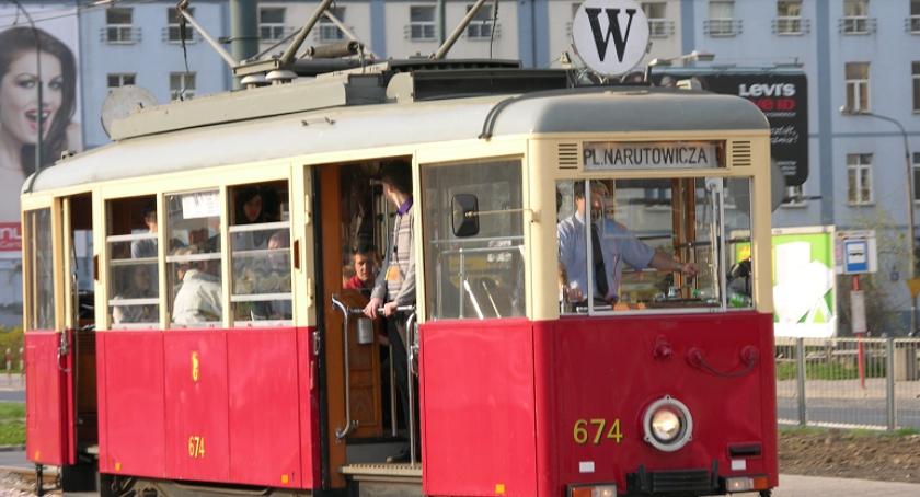 Tramwaje, Zakochani pojadą niedzielę specjalnymi tramwajami - zdjęcie, fotografia