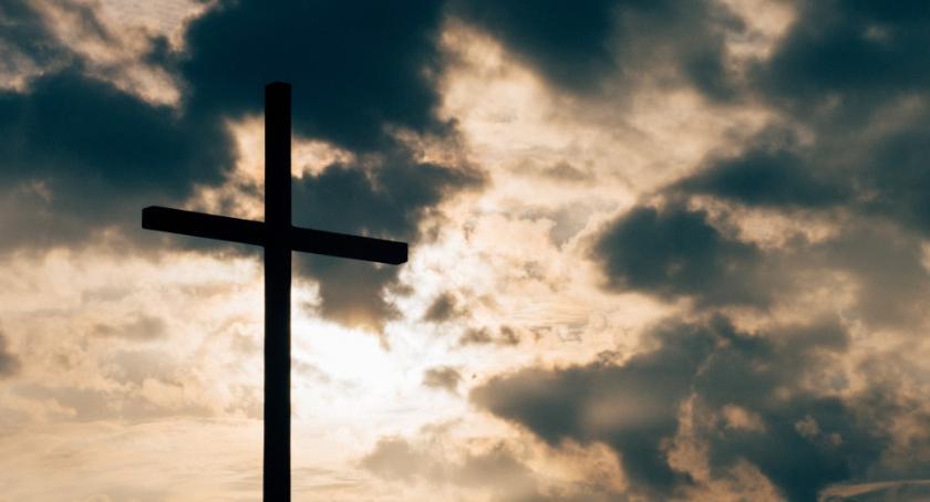 Religia - kościoły - święta, Triduum Paschalne warszawskie uroczystości nabożeństwa - zdjęcie, fotografia