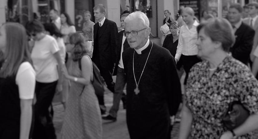 Wspomnienie, Odszedł wielki Polak żyje kardynał Franciszek Macharski - zdjęcie, fotografia