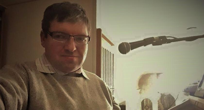 Wywiady, Organista rolkach rozmowa muzykiem kompozytorem Piotrem Tomaszem Harasimiukiem - zdjęcie, fotografia