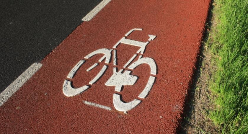 Drogi, Cała Południowa Obwodnica Warszawy ścieżką rowerową - zdjęcie, fotografia