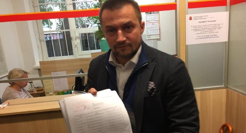 Polityka, Piotr Guział wysyła listy mieszkańców Warszawy Prosi wsparcie referendum - zdjęcie, fotografia