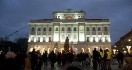 Protest studentów: wielka klapa pod pomnikiem Kopernika [zdjęcia]