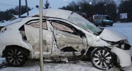 Policja apeluje o ostrożność na drogach i publikuje zdjęcia z wypadku w Wołominie