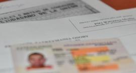Kolejni cudzoziemcy z podrobionymi dokumentami zatrzymani na lotniskach