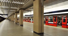 PILNE! Stacja Metro Służew zamknięta. Znaleziono pakunek na peronie