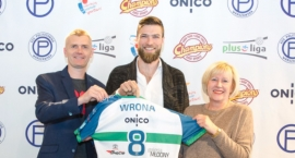 Andrzej Wrona zostaje na dłużej w Warszawie