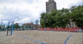 1000 ton piasku. Powstaje plaża w samym centrum Warszawy