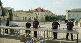 Krakowskie Przedmieście zamknięte. Wieczorem manifestacja pod Pałacem Prezydenckim
