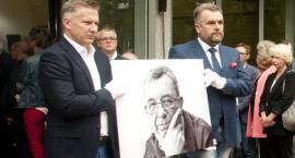 Ostatnie pożegnanie Grzegorza Miecugowa na warszawskich Powązkach