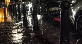 Są ostrzeżenia pogodowe: w nocy w Warszawie ulewy i podtopienia