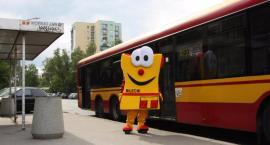 Pan Bilecik uczy jak bezpiecznie podróżować komunikacją miejską