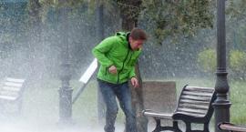 Uwaga na silny wiatr i deszcz! W weekend pogodowe szaleństwo, a potem...możliwy śnieg