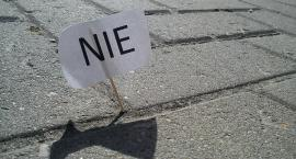 """Protest przed ratuszem przeciwko """"odradzającemu się faszyzmowi"""""""