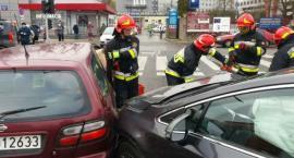 Uwaga utrudnienia! Zderzenie trzech samochodów na Wołoskiej!