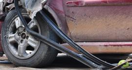Wypadek samochodowy w Alejach Jerozolimskich. Zderzyły się cztery samochody