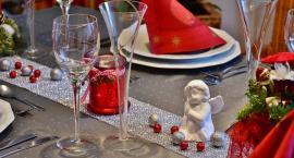 Stół miłości w Święta Bożego Narodzenia