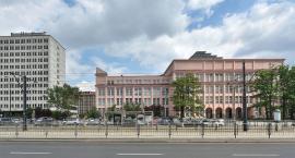 SGH chce nowego budynku. Zamiast Auli Spadochronowej, ogólnodostępny dach