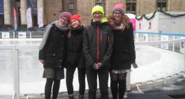 Weronika, Marysia, Agnieszka i Stasiek odwiedzili lodowisko przy PKiN