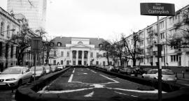 Andrzej Duda złożył kwiaty pod ambasadą Belgii w Warszawie