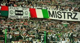 Legia gra słabo. Kibice chcą odejścia Romeo Jozaka.