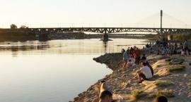Rejsy, rowery, kajaki – rozpoczęcie letniego sezonu na dwóch brzegach Wisły