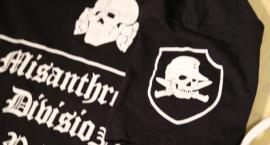 Zatrzymany za nazistowskie symbole na koszulce [ZDJĘCIA]