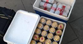 Kulisy wczorajszego meczu - nielegalna sprzedaż piwa przy stadionie