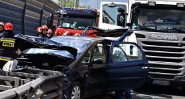 Zderzenie ciężarówki z osobówką na S8 [ZDJĘCIA]